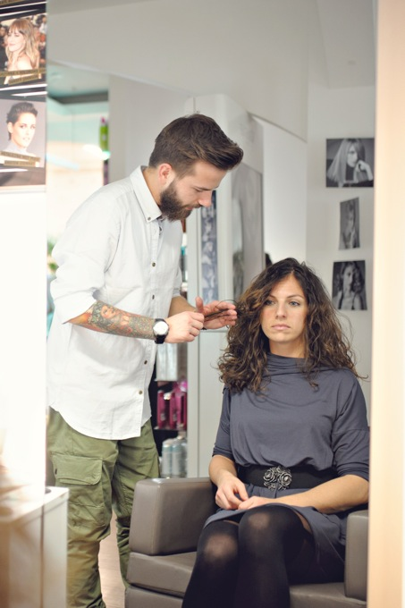 Modelowanie włosów kręconych.